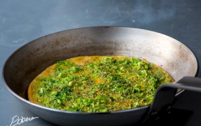 Æggekage med broccoli og chiafrø (200 kcal)