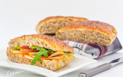 Frokostbrød med ricotta og chiafrø