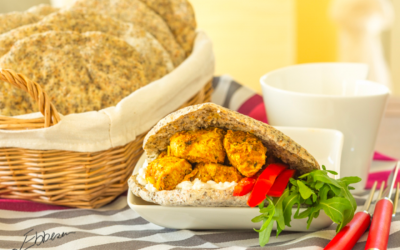 Chia-pitabrød med hytteost, rucola salat og kyllingefajita